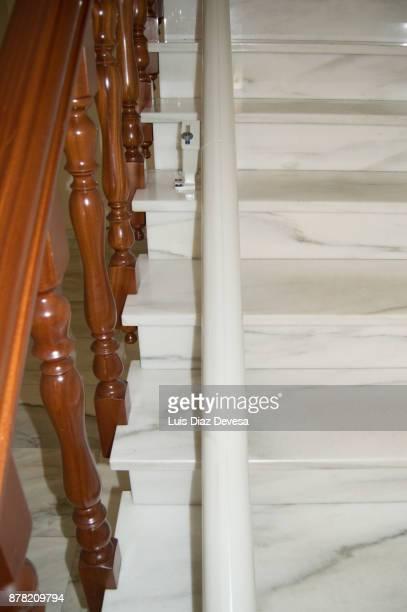 rail of stairlift - elevador de escada imagens e fotografias de stock