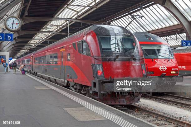 railjet in zürich hb - zurich stock pictures, royalty-free photos & images