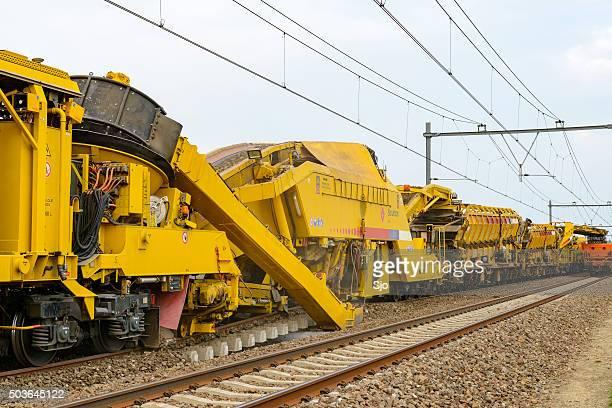 "railroad renewal train - ""sjoerd van der wal"" or ""sjo"" stock pictures, royalty-free photos & images"