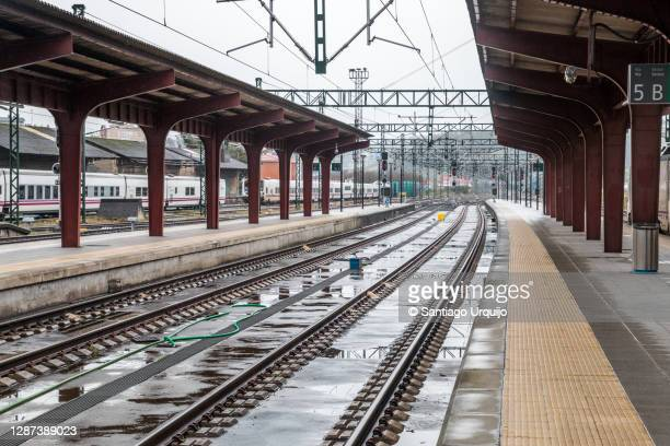 railroad tracks in a coruna train station - a coruna stock pictures, royalty-free photos & images