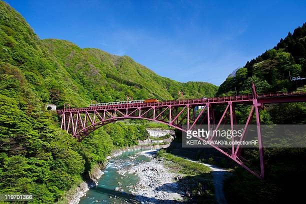 railway bridge over river - 富山県 ストックフォトと画像
