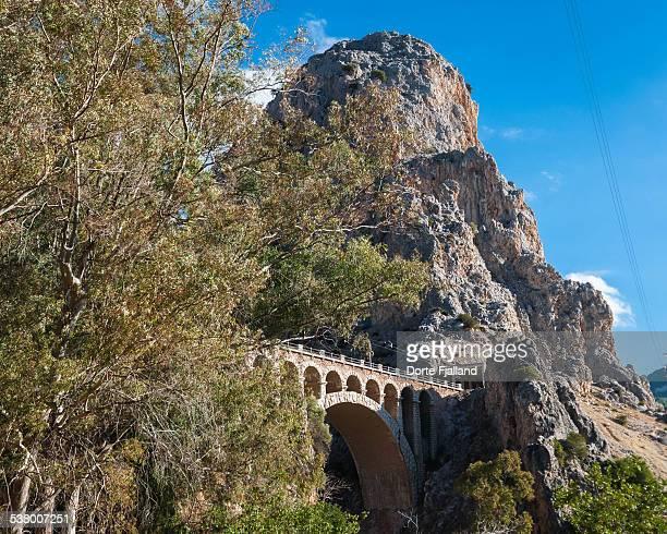 railway bridge - dorte fjalland fotografías e imágenes de stock