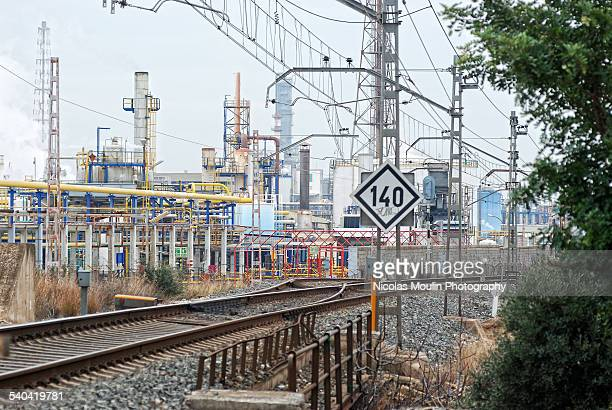 railway line industry - petrochemical plant stock pictures, royalty-free photos & images