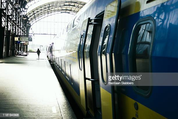 railways; catching the train - basslabbers, bastiaan slabbers stock pictures, royalty-free photos & images