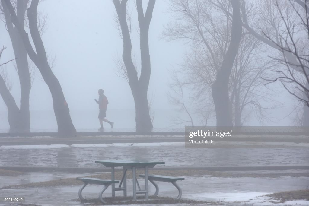 Rain and fog covered Toronto on Tuesday as mild weather made its way across Southern Ontario. According to Environment Canada, Wednesday will see some rain with a high of 9 C.