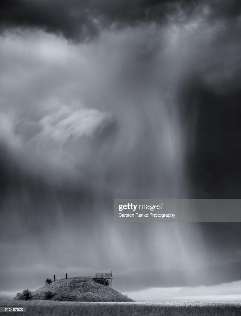 Rain cloud, Weiler : Stock-Foto