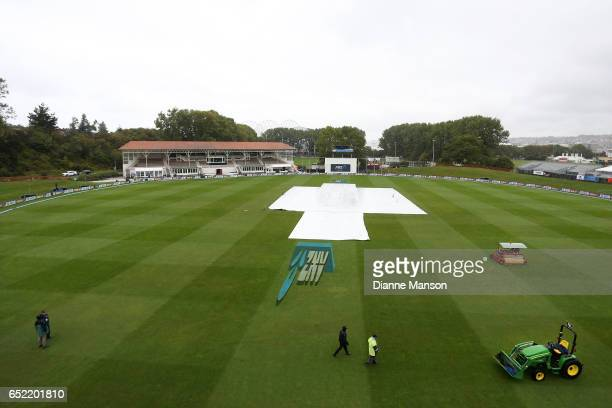 Rain delays play during day five of the First Test match between New Zealand and South Africa at University Oval on March 12, 2017 in Dunedin, New...