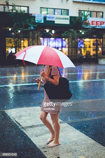 rain in new york city, manhattan, usa - modern essentials by h&m stock pictures, royalty-free photos & images