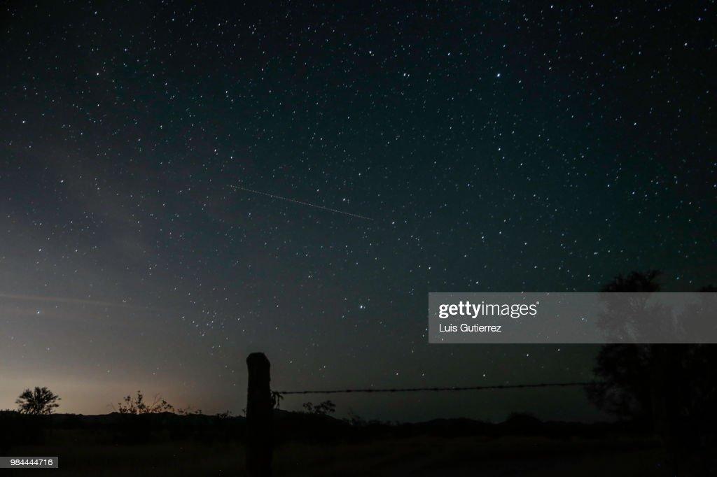 Rain of Stars phenomenon seen from Sonora Desert in Mexico : Stock Photo