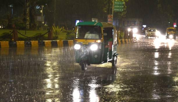 IND: Heavy Rains, Hailstorm Lash Parts Of Delhi NCR