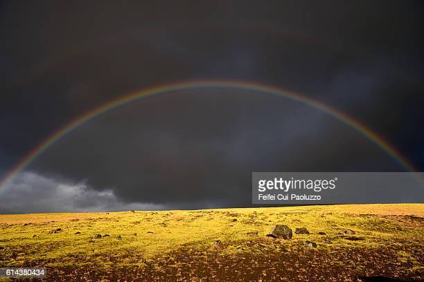 rainbow at markafljot dalur of iceland - land geografisches gebiet stock-fotos und bilder