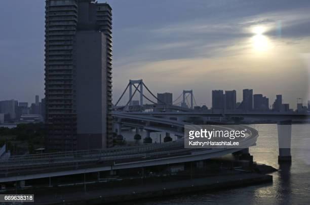 上記第 11 台場ルート、首都高速道路東京湾レインボー ブリッジ