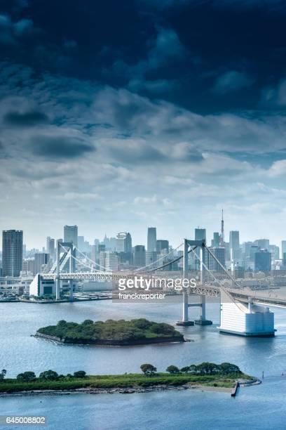 東京のレインボー ブリッジ