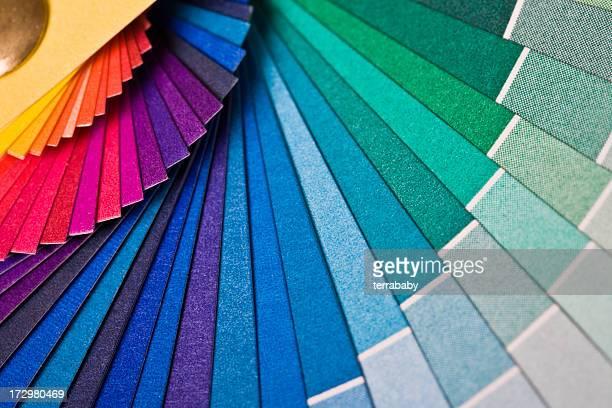 虹色のファン - 色 ストックフォトと画像