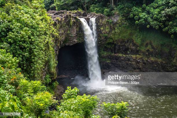 rainbow falls à hilo - water fall hawaii stock pictures, royalty-free photos & images