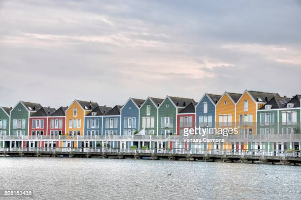 rainbow houses at the pond - houten, the netherlands - ユトレヒト ストックフォトと画像