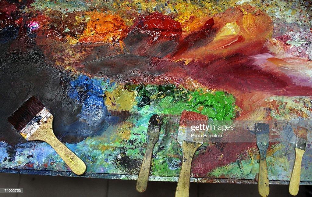 Artist Imitators Thrive In China's Famous Oil Painting Village : ニュース写真