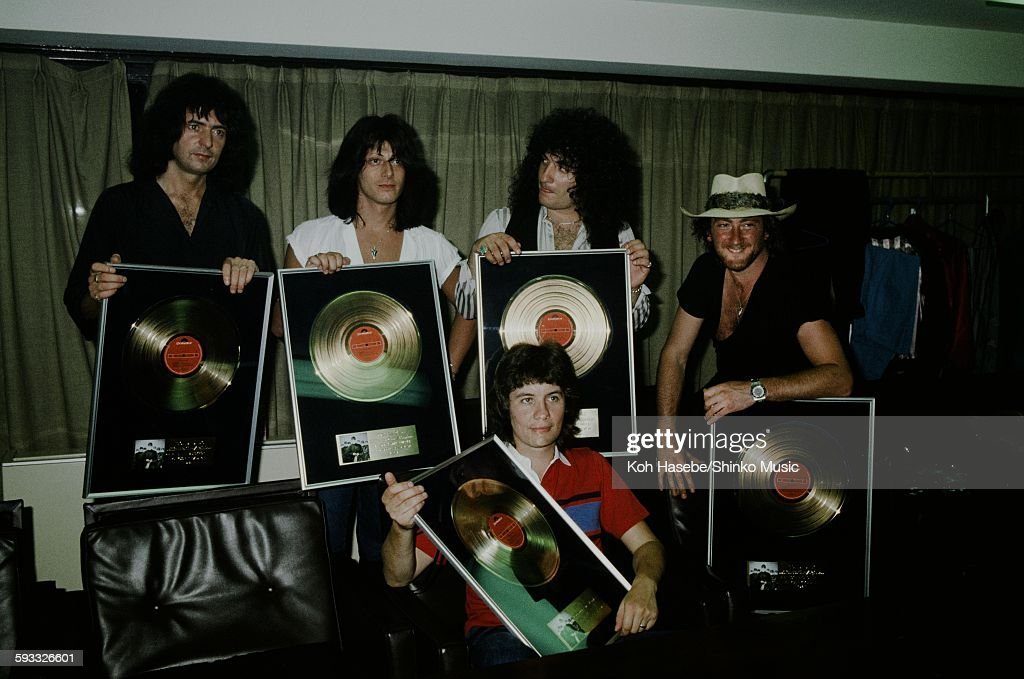 Rainbow presented gold disc for 'Difficult to Cure', Tokyo, August 1981.