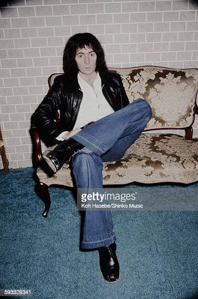 Rainbow Ritchie Blackmore relaxing in hotel room in Tokyo January 1978