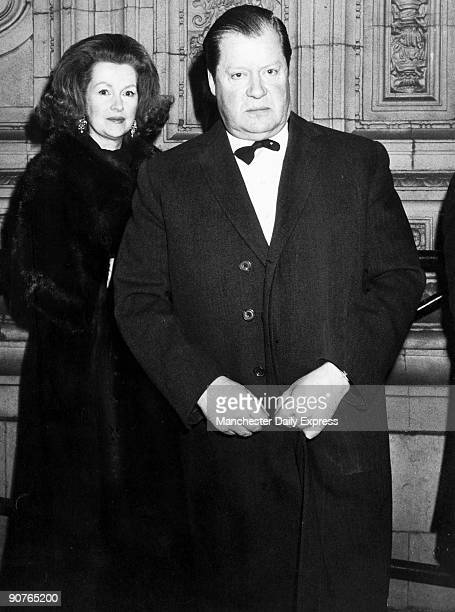 Raine Comtesse de Chambrun was the daughter of novelist Barbara Cartland Her second husband Edward Spencer 8th Earl Spencer was the father of...