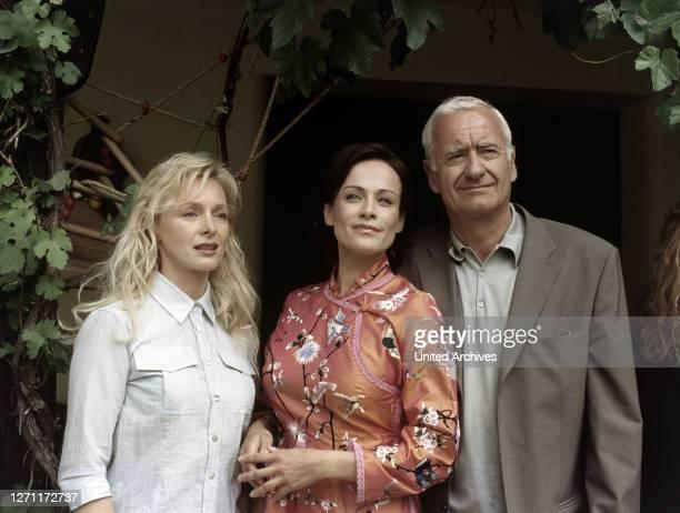 SPIEGEL / D 2000 / Rainer Boldt Irene Ravinski Cora Talheim Karl Ravinski / Überschrift DER SCHWARZE SPIEGEL / D 2000