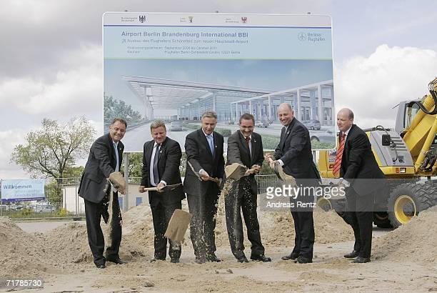 Rainer Schwarz Hartmut Mehdorn Mayor of Berlin Klaus Wowereit Brandenburg State Governor Matthias Platzeck Transport Minister Wolfgang Tiefensee and...