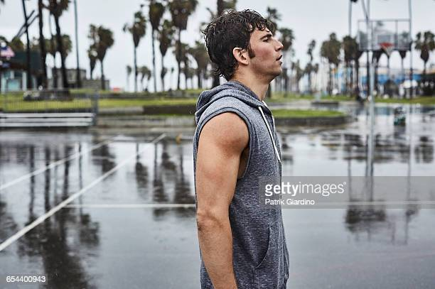 rainy day workout - sleeveless stock pictures, royalty-free photos & images