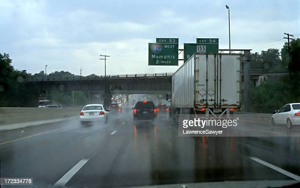 rainy highway driving - memphis tennessee stock pictures, royalty-free photos & images