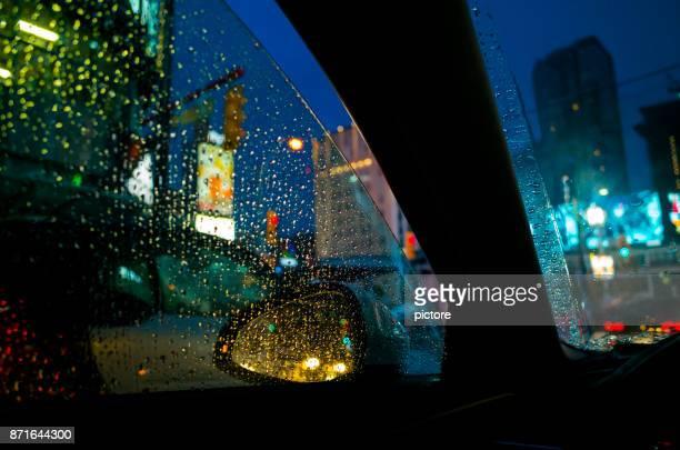 雨の日の夜