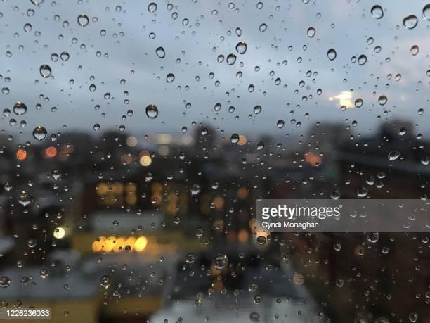 rainy view of baltimore city - maryland staat stockfoto's en -beelden