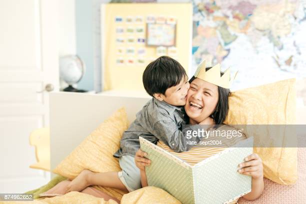 raising a happy child - filipino family stock pictures, royalty-free photos & images