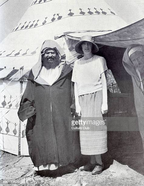 Raisuli and Rosita Forbes , English travel writer, in Morocco. Published in December 1923.
