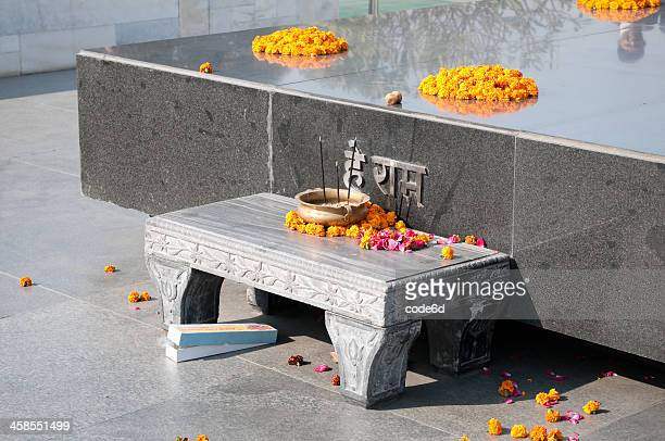 raj ghat memorial for mahatma ghandi, new delhi, india - raj ghat stock photos and pictures