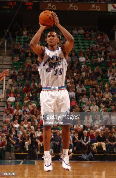 Raja Bell of the Utah Jazz shoots against the Phoenix Suns on April 14, 2004 at the Delta Center in Salt Lake City, Utah. NOTE TO USER: User...