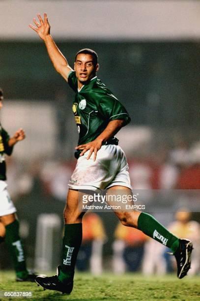 Raja Casablanca's Youssef Achami calls for the ball