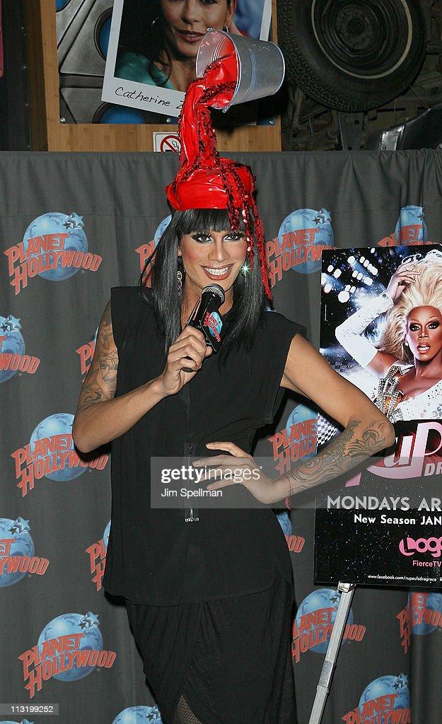 """RuPaul's Drag Race"" Season 3 Winner Visits Planet Hollywood"