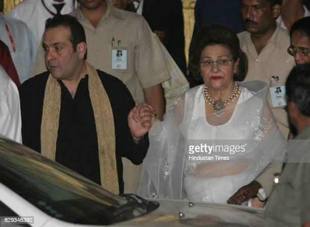 Rajeev Kapoor and Krishna Raj Kapoor at the wedding of Aishwarya and Abhishek Bachchan