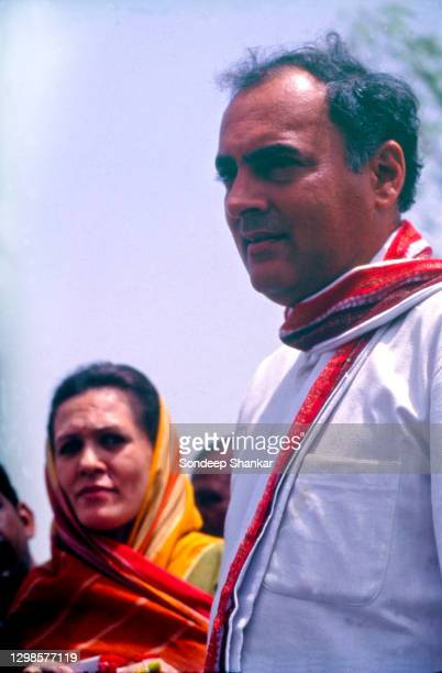 Rajiv and Sonia Gandhi campaigning in Amethi constituency, UP, for Lok Sabha elections in May 1991 shortly before he was assasinated by a Tamil human...