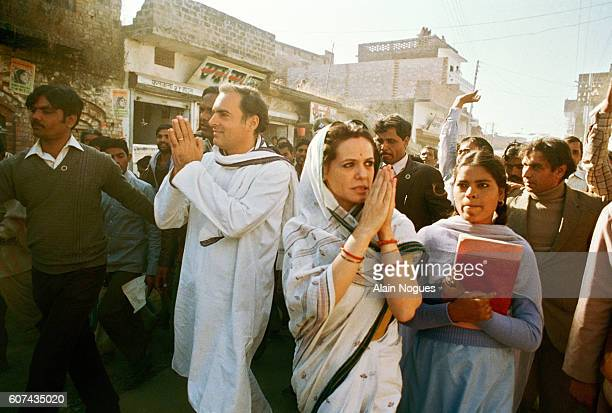 Rajiv Gandhi and his Italianborn wife Sonia near the end of their electoral campaign in the Indian city of Amethi
