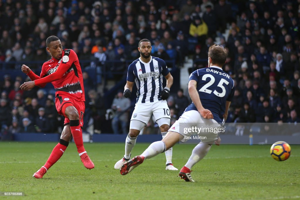Rajiv van La Parra of Huddersfield Town scores his side's first goal during the Premier League match between West Bromwich Albion and Huddersfield Town at The Hawthorns on February 24, 2018 in West Bromwich, England.