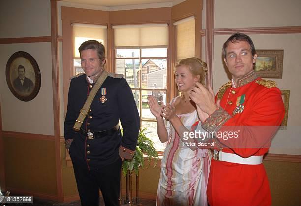 """Ralf Bauer , Jessica Boehrs, Peter Ketnath ZDF-Reihe """"Im Tal der wilden Rosen"""", Folge 3: """"Gipfel der Liebe"""", am Set, Calgary, Alberta, Kanada,..."""