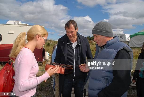 Ralf Bauer Jessica Boehrs Stefan Bartmann 41 Geburtstag von Ralf Bauer am Rande der Dreharbeiten zur ZDFReihe Im Tal der wilden Rosen Folge 3 Gipfel...