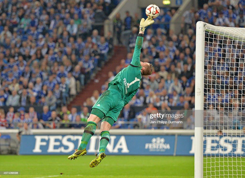 FC Schalke 04 v Hertha BSC - Bundesliga : News Photo