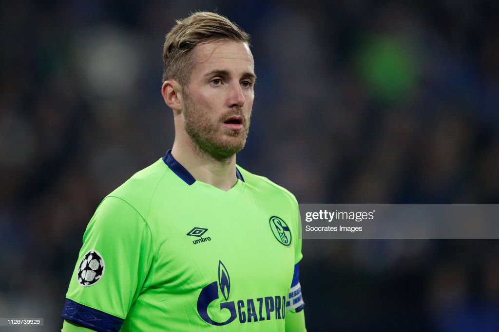 Schalke 04 v Manchester City - UEFA Champions League : News Photo