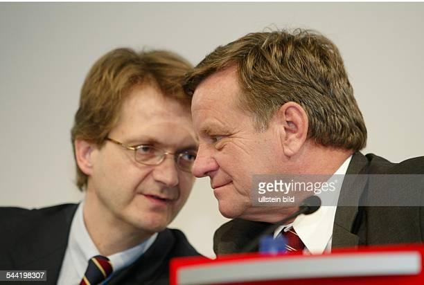 Ralf KleinBölting Generalbevollmächtigter Konzernmarketingleiter der Deutsche Bahn AG mit Hartmut Mehdorn Vorstandsvorsitzender Deutsche Bahn