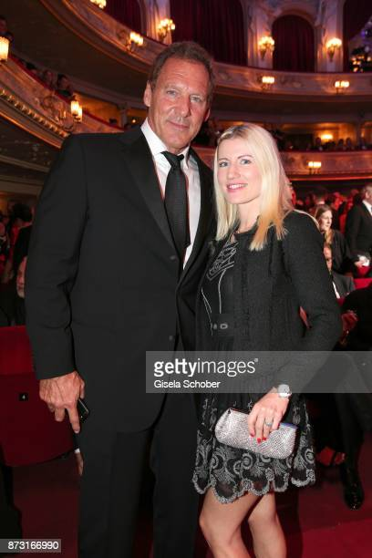 Ralf Moeller and his girlfriend Justine Neubert during the GQ Men of the year Award 2017 at Komische Oper on November 9 2017 in Berlin Germany