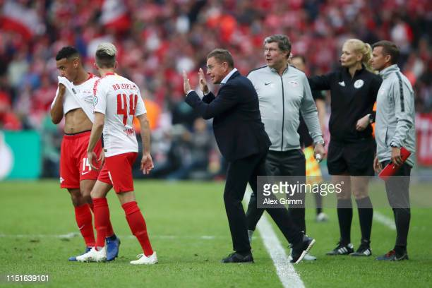 Ralf Rangnick Manager of RB Leipzig gives instructions to Kevin Kampl and Tyler Adams of RB Leipzig during the DFB Cup final between RB Leipzig and...