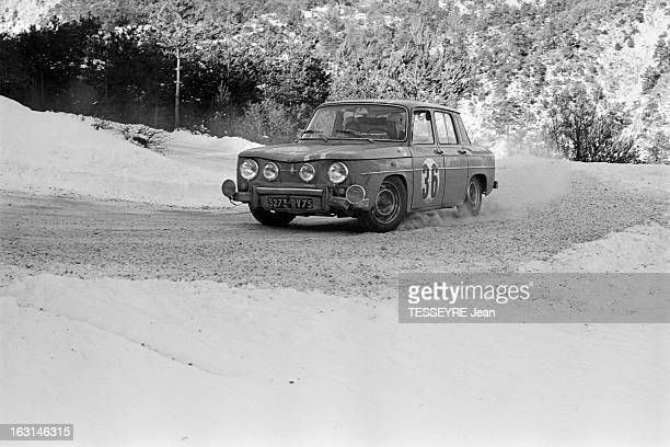 Rally Monte Carlo 1966 21 janvier 1966 le Rallye de MonteCarlo 1966 Sur une route de montagne enneigée une R8 Gordini