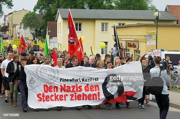 CONTENT] A rally of 500600 people against a neonaziconzert in Brandenburg/Germany Christian Ditsch/versionfotode 500 bis 600 Menschen protestierten...