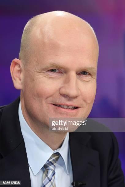 Ralph Brinkhaus in der ZDFTalkshow maybrit illner am in Berlin Die dunkle Welt der SuperReichen Vermögen verschleiert und versteckt